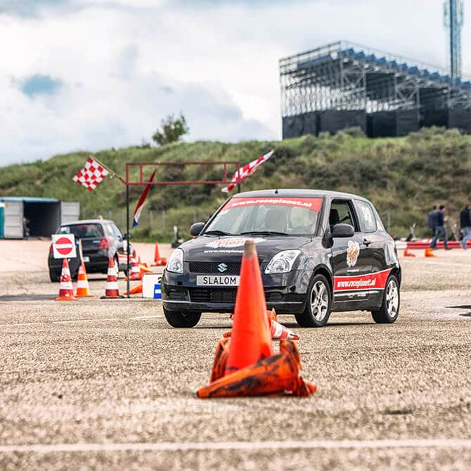 driving-experience-6-slalom